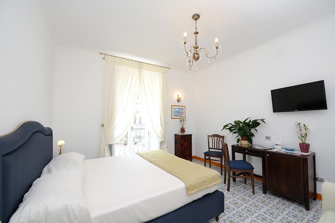 Camere superior residenza luce boutique hotel amalfiamalfi residenza luce - Metratura minima bagno ...